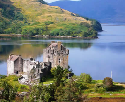 View of Eilean Donan Castle - private tours Drymen Red Bus Co.
